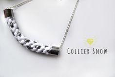 Collier scoubidou silver snow.Création faite main