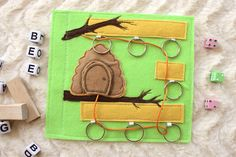 Bee Lacing page for small kids Sewing Projects For Kids, Sewing For Kids, Sewing Crafts, Craft Projects, Felt Books, Quiet Books, Binding Quiet Book, Quiet Book Templates, Embroidery Tools