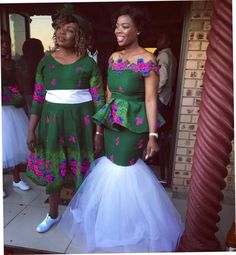 Traditional Wedding Dresses 2018 with regard to Trending This Year - Wedding Ideas MakeIt African Traditional Wedding Dress, Traditional Wedding Attire, Traditional Outfits, African Print Dresses, African Fashion Dresses, African Dress, African Prints, African Clothes, Ankara Fashion