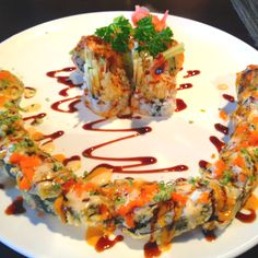 Out of Control Roll. Best Sushi Roll I've ever had. Japan Sushi, Sushi Sushi, Sushi Recipes, Cooking Recipes, Best Sushi Rolls, Fried Sushi, My Favorite Food, Favorite Recipes, Sushi Night