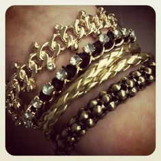 arm party in gold and black for summer.
