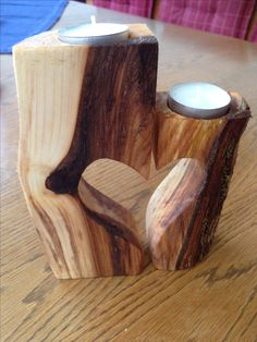 Tealight wooden heart made of robinia. Wooden Pallets, Wooden Diy, Woodworking Wood, Woodworking Projects, Diy Wood Projects, Wood Crafts, Cool Things To Build, Wood Chandelier, Wood Carving Patterns
