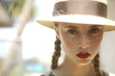 Beautiful Portrait of a young girl with Freckles, bright red lips, and style hat, and blond braided hair for Danny Roberts Inspiration Friday Freckles Girl, Sun Freckles, Beautiful People, Beautiful Women, Freckle Face, Mademoiselle, Tips Belleza, Happy Girls, Looks Cool