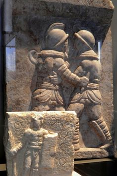 Reliefs of a provocateur and of gladiatorial combat, century AD, from Ephesus (Turkey), Neues Museum, Berlin. Greek History, Roman History, Ancient Mysteries, Ancient Artifacts, Machu Picchu, Roman Gladiators, Sea Peoples, Marshal Arts, Roman Sculpture
