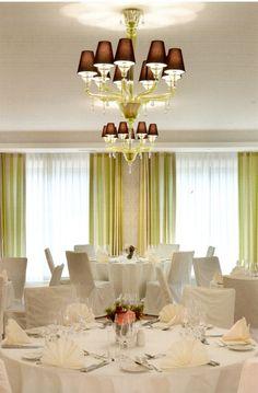 Eat_Bar_Hotel_Restaurant_Waldhaus_in Degerloch_Design by_André Behncke Architects, München_Photo by_c Roland Halbe, Stuttgart AIT_2012_06_page93