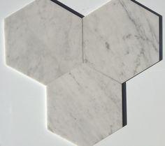 30 cm Hexagon Cararra white Ulfven Marbel