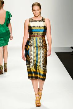 Amazing! Full figured models at Elena Mirò Milan Spring 2013 RTW Collection - Fashion on TheCut