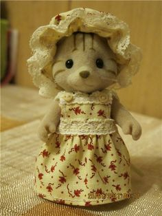 Sylvanian Families country dress and cap