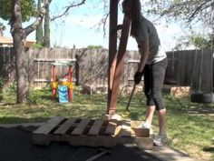 DIY Pallet Wood Raised Garden Beds : From the sketched out plans, materials, and video on how to take apart a pallet, here is everything you need to know on how to build garden beds out of pallet wood. Wood Pallets, Pallet Wood, Diy Pallet, Free Pallets, Pallets Garden, Pallet Signs, Pallet Ideas, Wood Raised Garden Bed, Building A Raised Garden