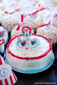 Aesthetic Oiseau: Raggedy Ann Birthday Party - Raggedy Ann Birthday Cake - First Birthday Party