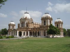 The Noor Mahal is a palace in Bahawalpur, Punjab, Pakistan. It was built in 1872 like an Italian chateau on neoclassical lines, at a time when modernism had set in. It belonged to the Nawab of Bahawalpur princely state, during British Raj. Top Travel Destinations, Places To Travel, Places To Visit, Passport Services, Pakistan Travel, Famous Castles, Hill Station, Historical Architecture, Indian Architecture