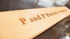 Esempio di incisione laser su legno #pandp #p&p #preziosiepremiati #preziosi #premiati #gioielli #gioielleria #orologi #orologeria #premiazioni #coppe #trofei #anniversari #lauree #sardegna #spaziosardegna