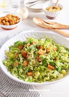 This Vegan Brussel Sprouts Caesar Salad with Pine-Hemp Parmesan and Croutons is rich, creamy, and really easy to make. Vegan Recipes Videos, Vegan Lunch Recipes, Healthy Salad Recipes, Vegan Food, Free Recipes, Vaping, Ceasar Salad, Dinner Salads