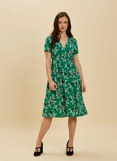 dd26cf95c0ea Venus Green Floral Print Midi Dress