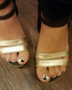 Slip On, Sandals, Nails, Shoes, Fashion, Finger Nails, Shoes Sandals, Zapatos, Moda