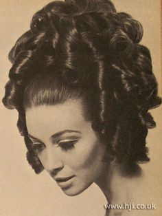1967 updo ringlets. Stylish and beautiful    #1960'shair #hairstyles