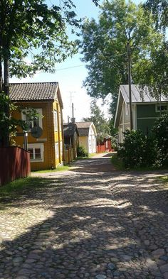 Loviisa Finland Wooden Buildings, Wooden Houses, Cool Places To Visit, Places To Go, Finland Travel, Scandinavian Countries, House Landscape, Helsinki, Homeland