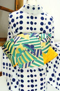 ターコイズグリーンとネイビーブルー涼やかな大胆なストライプと水玉のパターンの中にヨットのモチーフが浮かび上がる半幅帯です。 #kimono