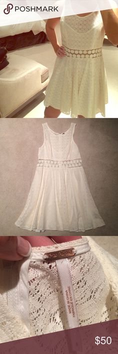 Flash 1HR Sale❤️Free People Lace Flower Dress Feminine, lace, floral print dress by Free People in cream. The midsection is floral print and see through. Otherwise this dress has a lining underneath the rest of the lace. Worn once, excellent condition. Free People Dresses Mini