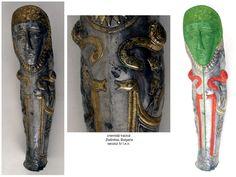 În mormântul tracic descoperit la Zlatinitsa, Bulgaria, datat în secolul IV î.e.n., două perechi de dragoni cu trup de şarpe și cap de prădător (dintre care la o pereche de dragoni, capul animalului de pradă este realizat identic cu cel de la perechea dragonilor executați pe coiful getic din aur de la Cucuteni-Băiceni), sunt afrontaţi unui simbol de regenerare (coloana-axa de simetrie în vârful căreia se află chipul Marii Zeiţe).