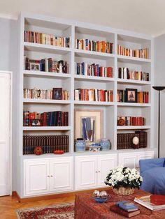 Home Library Design, Home Room Design, Living Room Shelves, Living Room Decor, Room Interior, Interior Design Living Room, Built In Bookcase, Bookcases, Corner Bookshelves