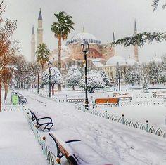 #AyasofyaKarlarAltında  ♥♥♥  #StSophiaUnderTheSnow  #Sultanahmet  #İstanbul  #Turkey