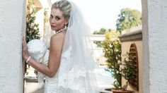 10% off Bridal veils Veils and tiaras for Africa www.weddingcoupons.co.za Wedding Coupons Wedding specials | Wedding packages | Wedding discounts