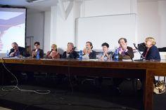 La tavola rotonda con la giuria al completo