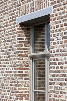 Referenties | Bouw-iD Contemporary Architecture, Architecture Details, Red Brick Walls, Belgian Style, Brick Design, House Paint Exterior, Brick And Stone, Brickwork, Love Home