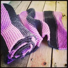 Graphic design and crafts such as knit and crochet. Striped Scarves, Garter Stitch, Custom Made, Knit Crochet, Knitting, How To Make, Handmade, Crafts, Design