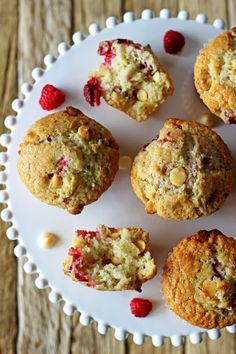 Raspberry & white chocolate muffins - my favourite quick & easy muffin recipe with delicious raspberries & white chocolate in every bite! The perfect easy muffin recipe for beginner bakers and they're ready in 45 minutes! Raspberry And White Chocolate Muffins, White Chocolate Chips, Blue Berry Muffins, Simple Muffin Recipe, Good Food, Yummy Food, Baking With Kids, Home Baking, Raspberries