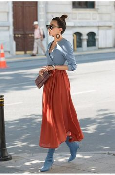 Street Style Looks to Copy Now - FROM LUXE WITH LOVE olga shk olga_shk street style Street style fashion / fashion week olga shk Street style fashion / fashion week # Street Style Outfits, Looks Street Style, Mode Outfits, Skirt Outfits, Fall Outfits, Casual Outfits, Fashion Outfits, Maxi Dresses, Street Style Fashion