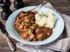 Annonsørinnhold: Her er MENY-kokkens forslag til ukens meny: Uke 37 Lamb Dinner, Recipe Boards, Bolognese, Pot Roast, Slow Cooker Recipes, Stew, Main Dishes, Bacon, Curry