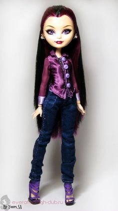 Атласная блуза с шифоновыми рукавами и джинсы