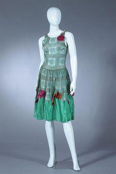 GREEN LACE AND SILK FLAPPER DRESS, Circa 1920