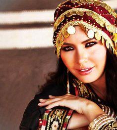 palestinian thobe and headdress