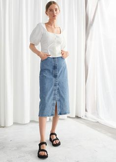 & Other Stories Fitted Denim Midi Skirt Blue Denim Skirt Outfit, Denim Skirt Outfits, Denim Skirts, Jupe Midi Jean, Zara, Work Skirts, Linen Trousers, Evening Outfits, Only Fashion