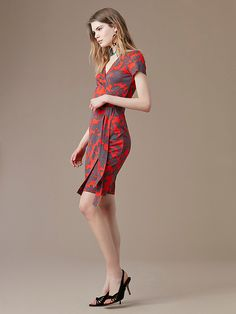 New Julian Short-Sleeve Wrap Dress in Brulon Bright Red