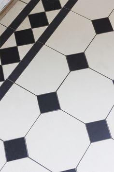 Victorian tiled flooring from Build Factory Victorian Tiles, Victorian Bathroom, Bathroom Flooring, Kitchen Flooring, Paris Loft, Tiled Hallway, House Essentials, Black And White Tiles, Black Carpet