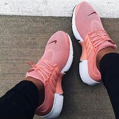 """""""NIKE""""Air Presto Women Fashion Running Sport Casual Shoes Sneakers (Pink-small w… """"NIKE"""" Air Presto Damenmode Running Sport Freizeitschuhe Sneakers (Pink-kleiner weinroter Haken) Cute Shoes, Me Too Shoes, Sneaker Pink, Shoes Sneakers, Shoes Heels, Roshe Shoes, Sneakers Fashion, Shoes Pic, Fashion Shoes"""