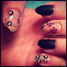 Nail art inspired by Betsey Johnson #nails