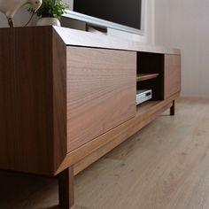 home decor furniture Modern Houses Interior, Entertainment Furniture, Furniture Details, Tv Unit Furniture, Resource Furniture, Curtain Designs For Bedroom, Tv Room Design, Furniture Design, Custom Furniture