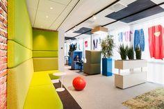 Гараж – новый офис Google в Амстердаме. Источник фото: Alan Jensen
