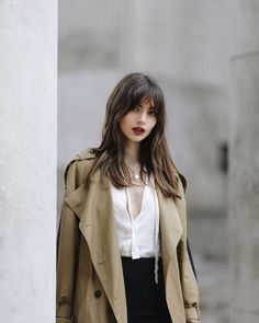 February 27 2020 at fashion-inspo Hair Inspo, Hair Inspiration, Style Parisienne, Estilo Grunge, Long Bangs, Beautiful Girl Image, Summer Dress Outfits, Shiseido, Parisian Style