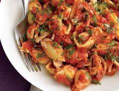 Pâtes à la tomate et au thon WW, un bon plat de pâtes pour le quotidien, très facile et rapide à réaliser pour un repas léger accompagné d'une bonne salade.