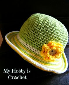 Crochet this cute sun hat for your child's spring debut at the public playground! Pattern by My Hobby is Crochet.