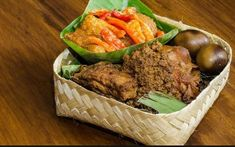 Indonesian Food Recipes Vegetarian - For you the traveller and want to continue to maintain health do not forget the taste of Indonesian Food Recipes Vegetarian. Indonesian Cuisine, Vegetarian Recipes, Beef, Health, Meat, Health Care, Indonesian Food, Steak, Vegetable Dip Recipes