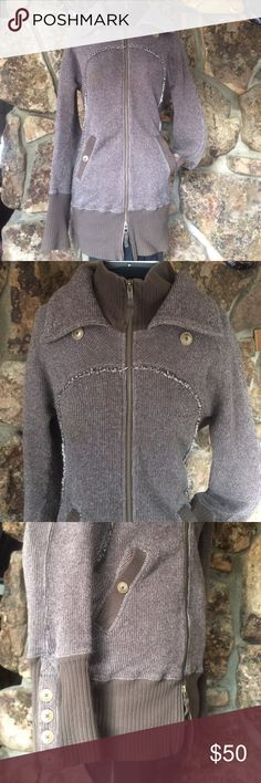 "Free People extra long ribbed zip cardigan sweater Super warm and great over leggings. Worn very few times. Pockets in front button closed and two zippers so you can open from top or bottom. Measurements laying flat are 30"" long 18"" chest Free People Sweaters Cardigans"