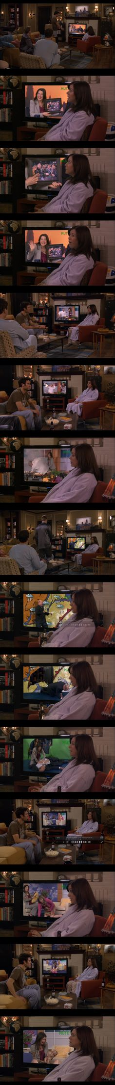 Robin reporting on tv. So funny / How I Met Your Mother / HIMYM >>> and nobody of the gang watched it