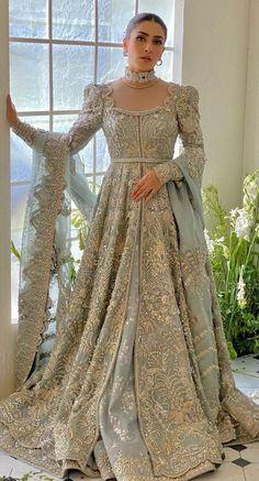 Asian Wedding Dress Pakistani, Indian Wedding Gowns, Desi Wedding Dresses, Simple Pakistani Dresses, Indian Bridal Outfits, Pakistani Dress Design, Indian Designer Outfits, Pakistani Outfits, Indian Dresses